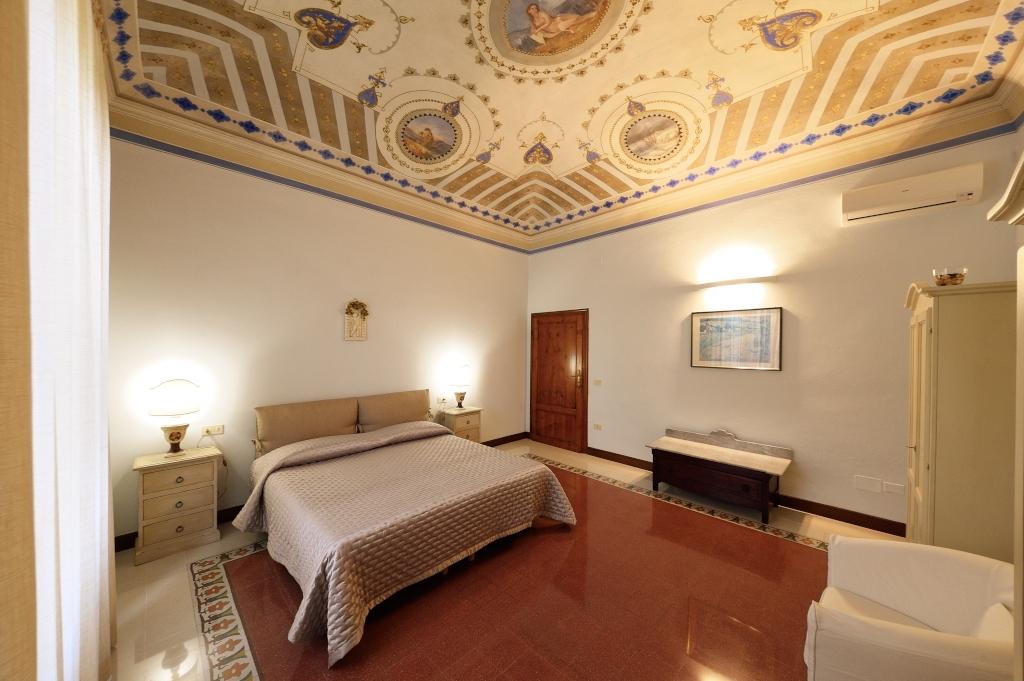 Gallery stanze e arredamento della residenza pietrafosca for 2 appartamenti della camera da letto principale